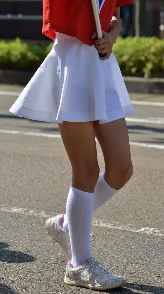 【画像】JSのマーチング、スカートが透けてパンツ見えてるwwwwwwww