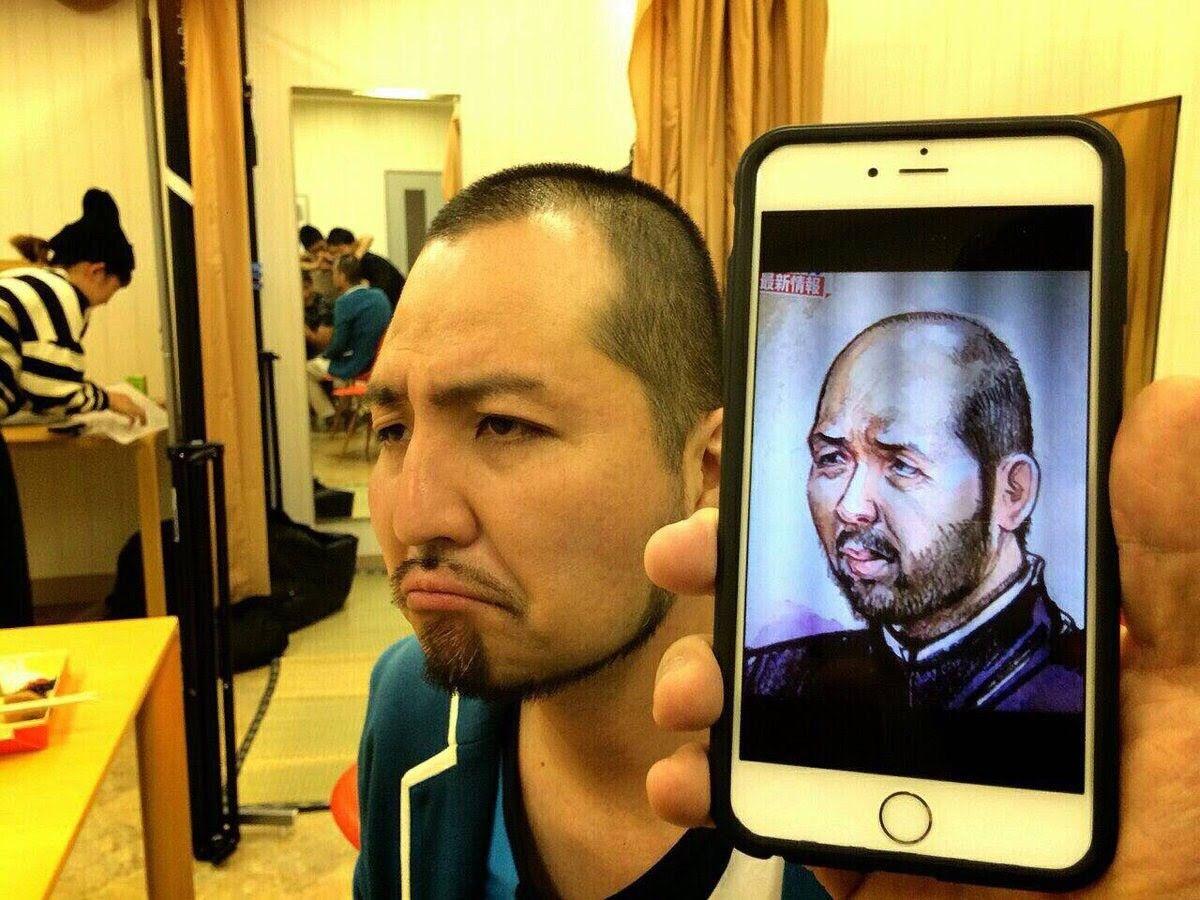 野々村容疑者の法廷での似顔絵がスリムクラブの内間にソックリ