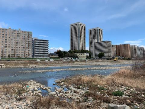 武庫川河川敷2宝塚大橋
