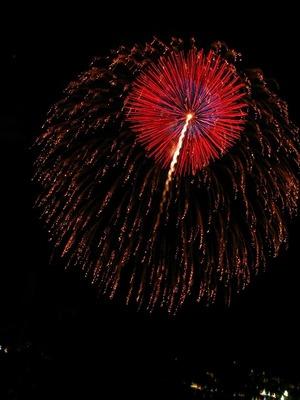 zushi-firework-2