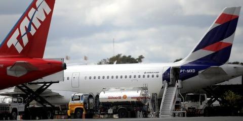 航空燃料不足