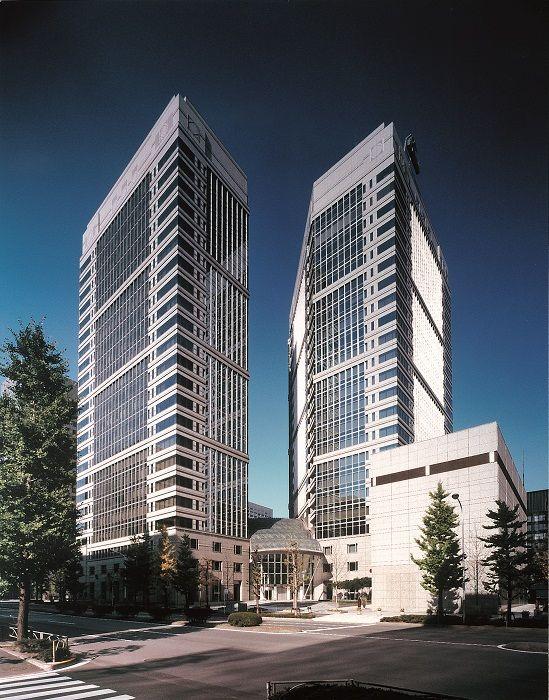 あゆみトラストグループ(あゆみトラスト・ホールディングス株式会社、ヘッジファンドダイレクト株式会社はじめ、グループ各社)は、大手町ファーストスクエアにオフィス移転いたしました。