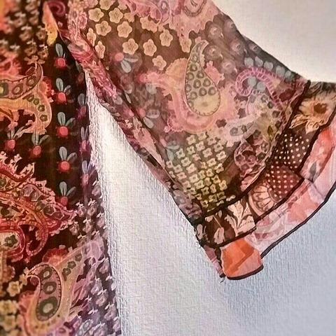 洋服の断捨離:ひらひら系シャツ2