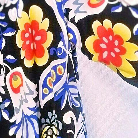 洋服の見直し:大胆な花柄シャツその2