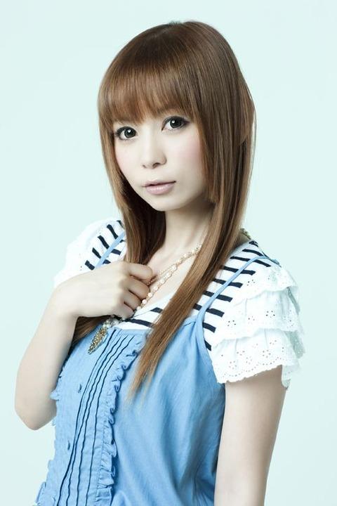 ファッションモデルの中川翔子さん