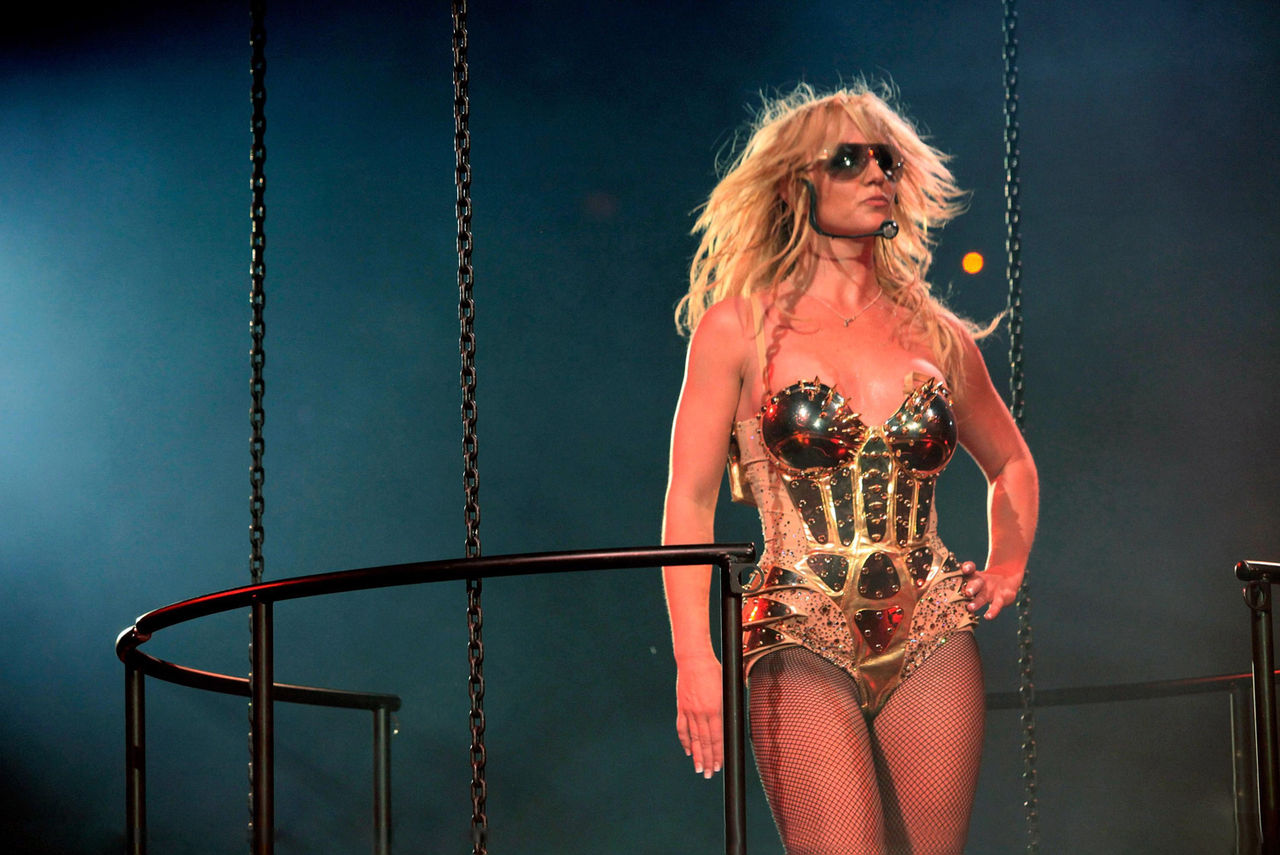 Circus Tour : 『the BuBuBritney』 Britney Spears and More... Circustour