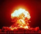.jpg(1953、アメリカの核実験)wikipediaより