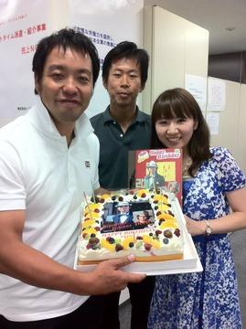 副社長の増村(中央)、秘書の金子(右)と