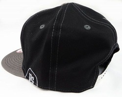 cap cream black2