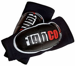 Fight Co elbow pads 黒