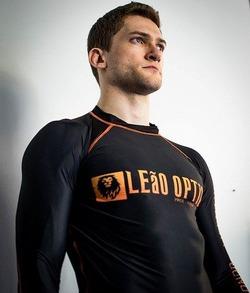 LEaO OPTiCS Long Sleeve Rash Guard 1