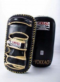 YOKKAO PRO Green ARMY Kicking Pads 1
