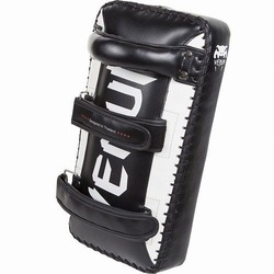 Giant Kick Pads blackwhite 3