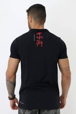 Camiseta Shark black 2