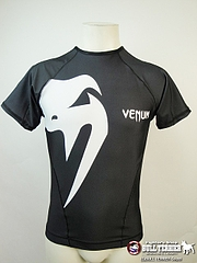 VENUM ラッシュガード Giant 半袖 黒