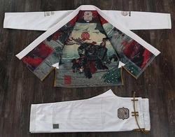 Akashio_Limited_Edition_white1