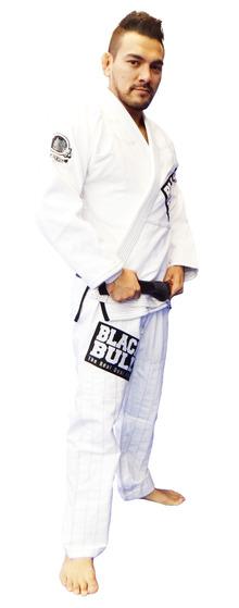 blackbull_white_0