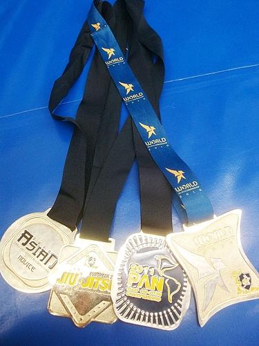 ムンジアル・パン・ヨーロペウ・アジアチコメダル