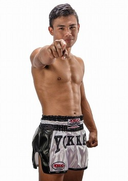 YOKKAO White Carbon Muay Thai Shorts 2