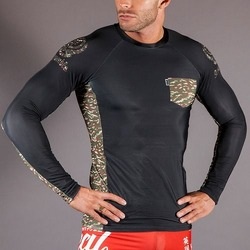 Scramble Camo Pocket Rashguard 1