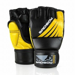 Training Series Impact MMA Gloves With Thumb blackyellow1
