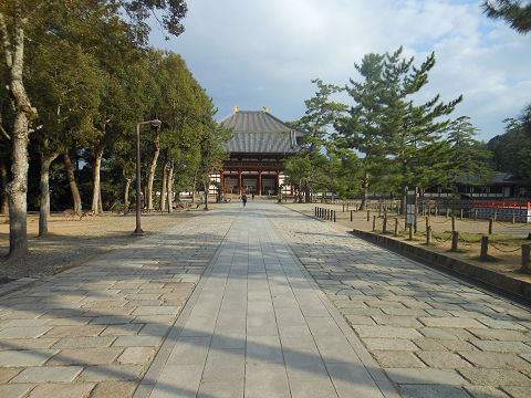 東大寺大仏殿の遠景 - ぶっちゃけ古事記