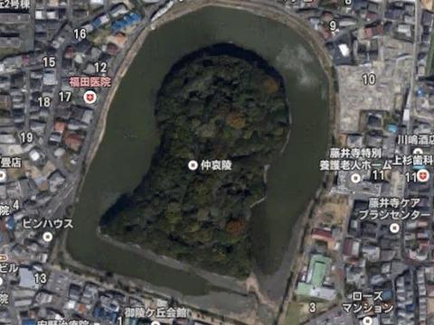 岡ミサンザイ古墳(大阪府・藤井寺市) by Googleアース - ぶっちゃけ古事記