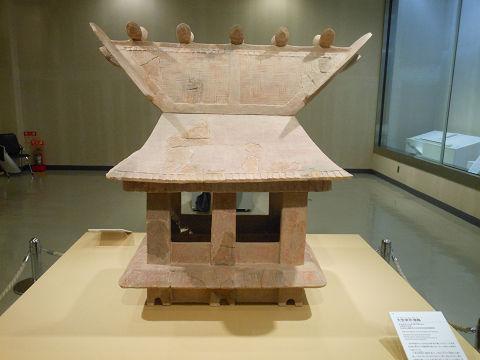 大型家形埴輪 - 雄略天皇が激怒した鰹木のある家、格式高い特別な建築【大古事記展】のキャプチャー