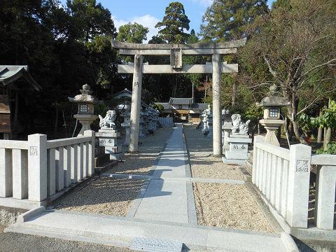 山上八幡神社 - ヒバスヒメ陵に参拝する形で隣接する、豊臣秀吉ゆかりの神社【古事記紀行2014】のキャプチャー