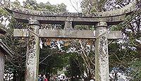 飯盛神社(佐世保市) - 熊野を勧請、10月例祭では平戸神楽、2月は節分祭と愛宕祭り