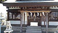 梅安天満宮 - 拝殿の前には一対の鷽の石像、7月にうそ替え神事、梅の名所で2月が見頃