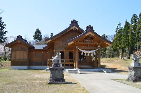 居多神社 社殿 - Wikipedia