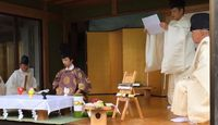 高家神社 - 「料理の神様」特徴的なお守りや、古式の儀式・包丁式が行われる式内の古社