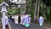音更神社 - 北海道音更町、社叢にはエゾリスやももんがなども、季節限定の雪だるま御守