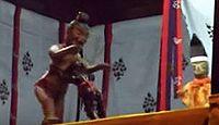 重要無形民俗文化財「八幡古表神社の傀儡子の舞と相撲」 - 4年に一度の古格ある人形戯