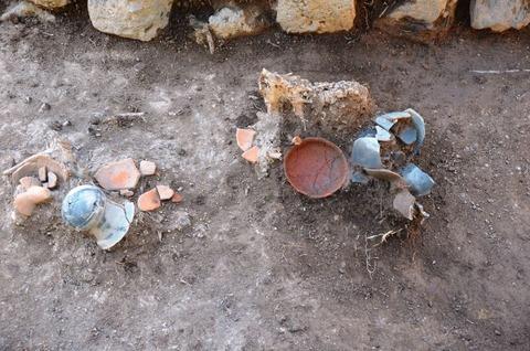 兵庫県豊岡市の藤井古墳群で古墳時代後期の方墳と弥生後期の墳墓を確認、現地説明会のキャプチャー