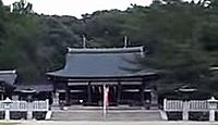 奈良県護国神社 - 緑豊かな樹相の高円の杜、3月末から4月初の椿の時期には「椿祭り」