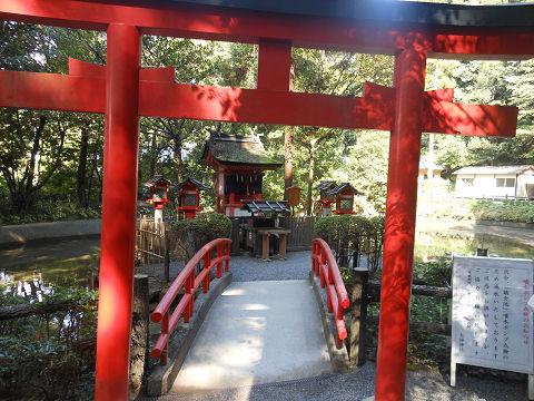 狭井神社の参道左手にある市杵嶋姫神社 - ぶっちゃけ古事記