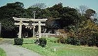 櫟原北代比古神社 - 鳳至比古神が悪鳥を矢で退治した八幡とも、社叢は市の天然記念物