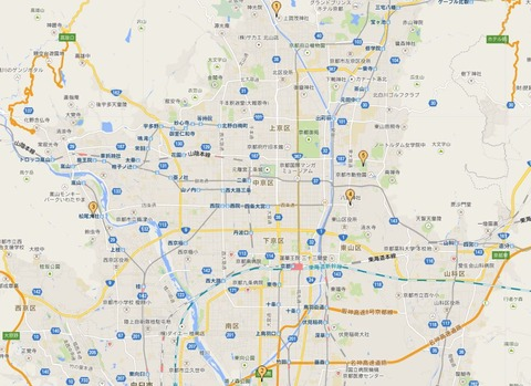 京都五社めぐりの位置関係 - 北は玄武の賀茂別雷神社(1)、南は朱雀の城南宮(2)、西は白虎の松尾大社(3)、東は蒼龍の八坂神社(4)、そして中央に平安京の守護たる、平安神宮(5)