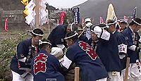 小野神社(塩尻市) - 諏訪大社の御柱祭の翌年に行われる御柱祭で有名な、信濃国二宮