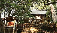 皇子原神社 - 神武天皇が誕生した「産場石」、狭野神社の遷座後に奉斎、「御腰掛石」