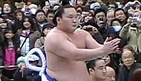 明治神宮で横綱白鵬が奉納土俵入りを披露 - 2010年1月7日、東京都渋谷区のキャプチャー