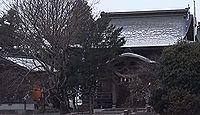 浮島神社(嘉島町) - 池に浮かぶように見える神社、1月に七草粥、12月にうき美たま祭