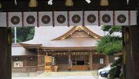 砥鹿神社 - オオクニヌシを祀る三河国一宮、戦の後の徳川家康が宿陣したとの伝承
