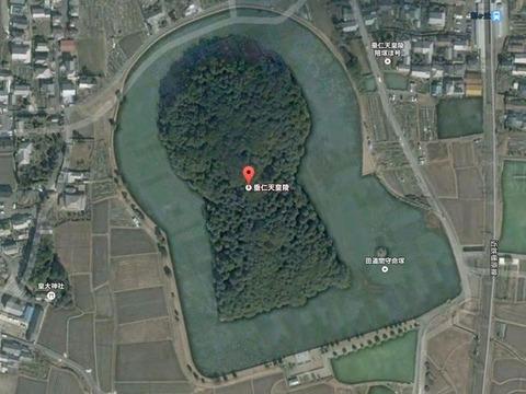宝来山古墳(奈良県・奈良市) - 周濠にタジマモリの墓を抱える第十一代垂仁天皇陵のキャプチャー