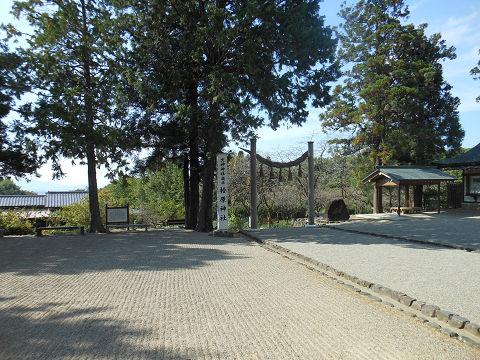 檜原神社の境内の様子 - ぶっちゃけ古事記