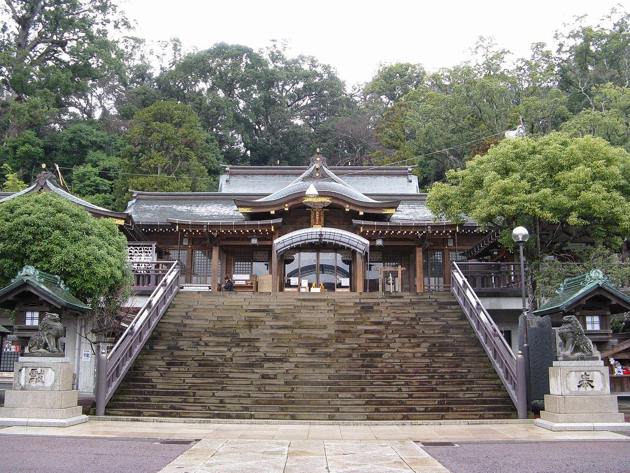 鎮西大社 諏訪神社  - Wikipedia
