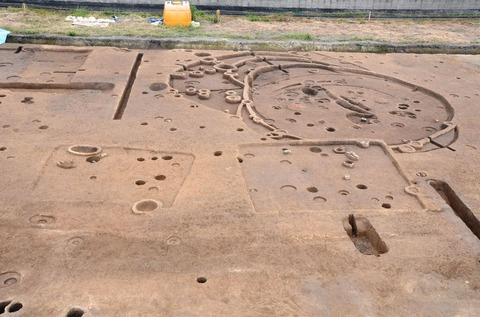 鍛冶田遺跡で弥生時代中期・古墳時代の中核集落跡を確認、現地説明会 - 兵庫県太子町のキャプチャー