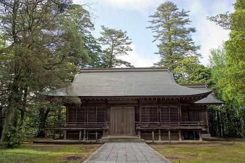 800px-Shitori-jinja_(Yurihama)